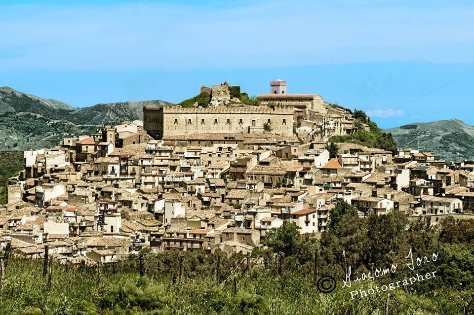 In Sicilia il borgo più bello d'Italia tra storia, culti e credenze (C1-C2)