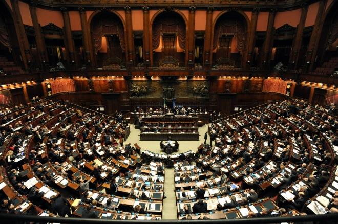 Riforma lavoro battaglia in senato mentre gli italiani for Deputati camera numero