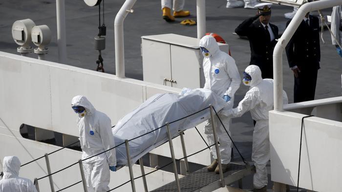 Lo sbarco dei morti. (Foto: La Stampa)