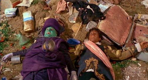 Jago e Otello nella discarica osservano il cielo