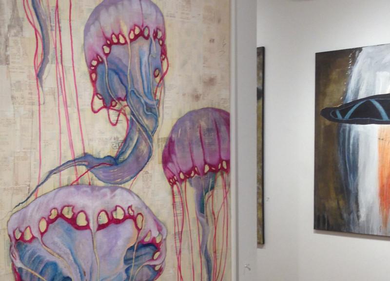 Lo scontrino diventa arte nei quadri tra realtà e sogno di Viapiana (B1-B2)