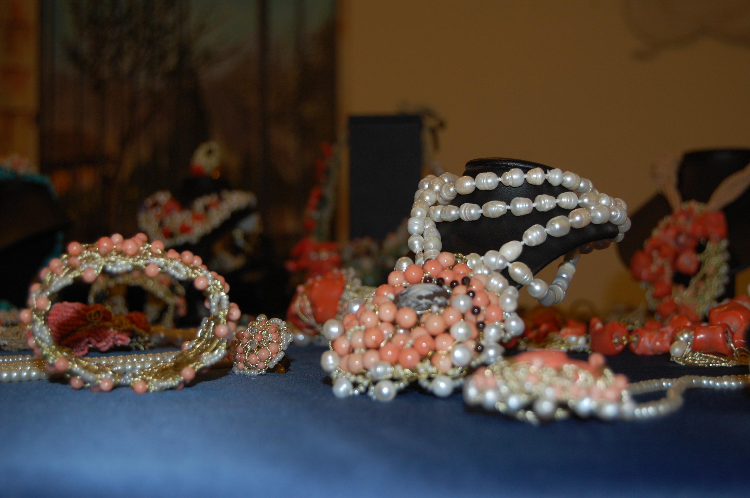Quando i gioielli diventano arte da indossare (B2-C1)